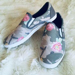 Inkkas Camo Garden Slip On Sneaker